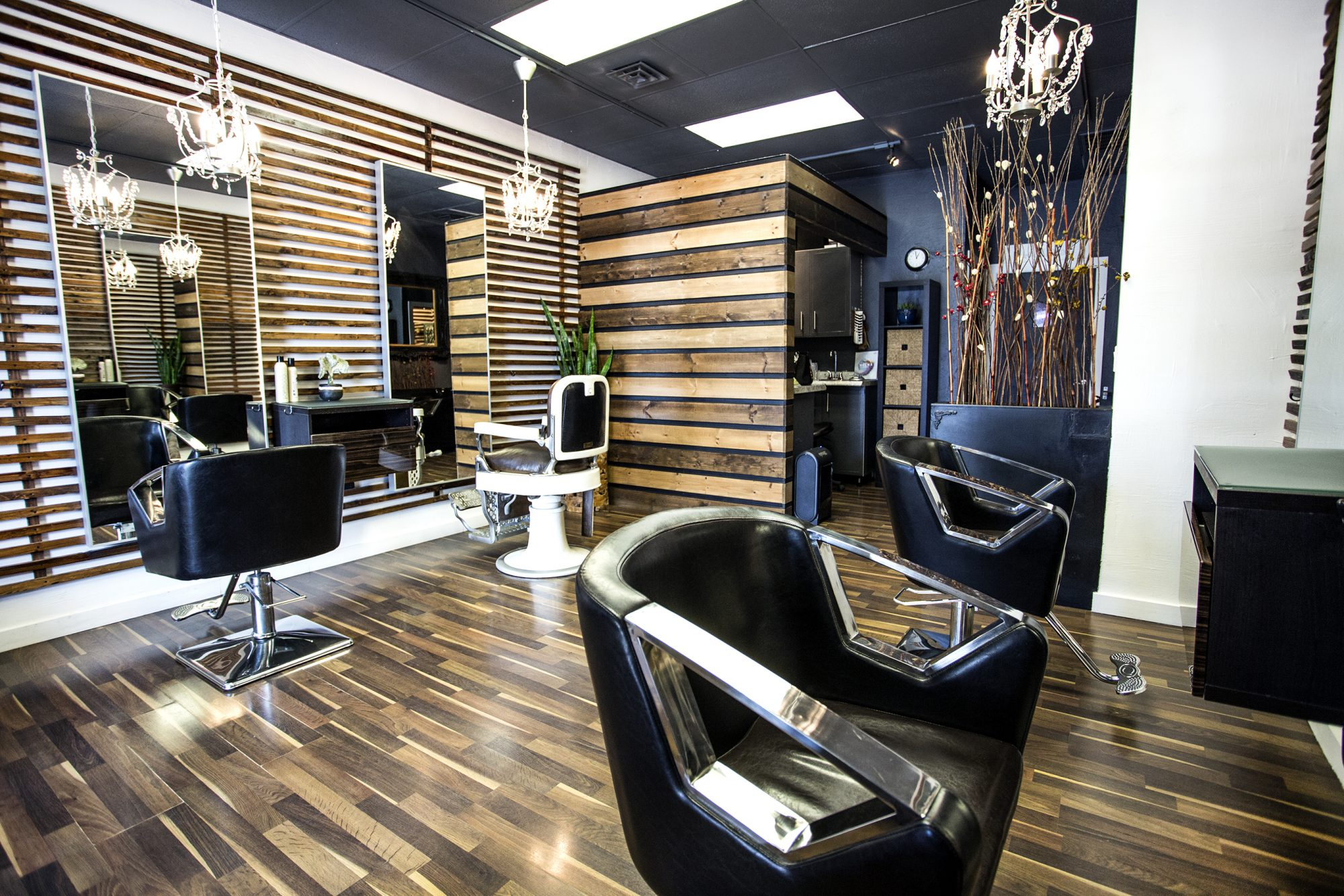 Hollywood2U Hair Studio